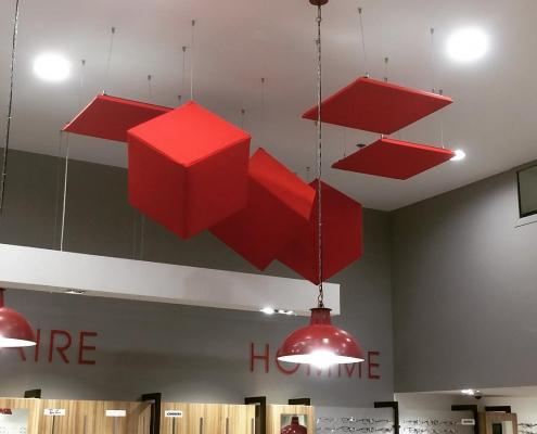 Cube acoustique rouge